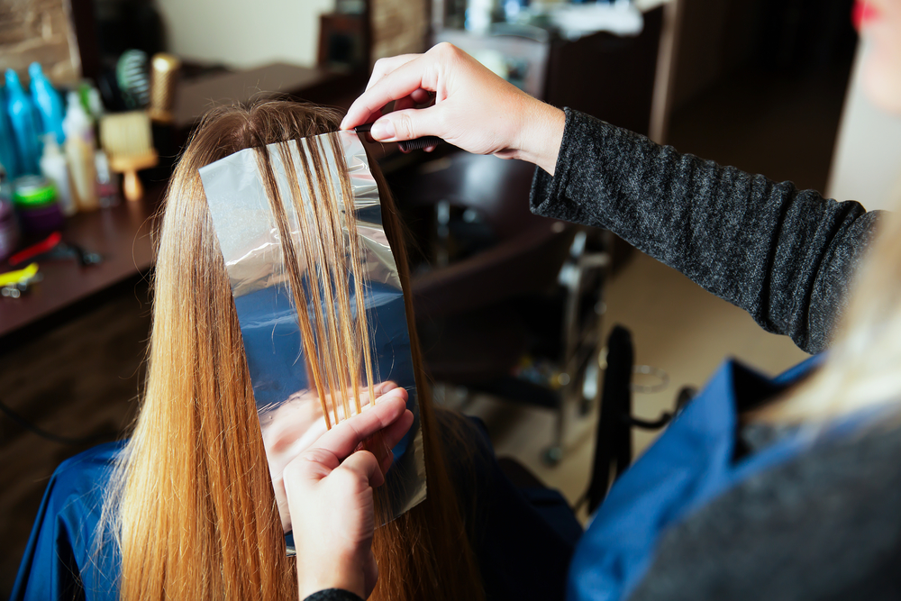 Hair Foiling: Add Highlights and Texture for a Fresh, New Look